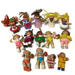 Vintage Cabbage Patch Kids small plastic dolls
